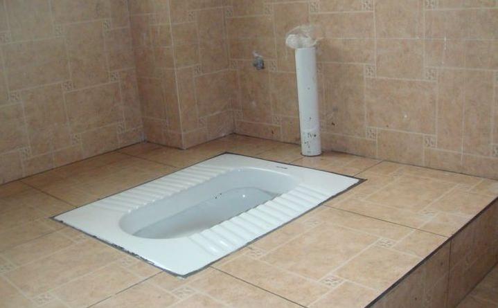 出租房厕所装修之蹲坑